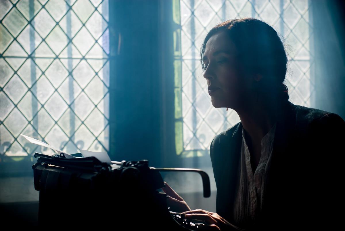 """""""Le cercle littéraire des amateurs d'épluchures de patates"""" et """"Un goût de cannelle et d'espoir"""": quand l'écrivaine rencontre et raconte l'héroïne"""